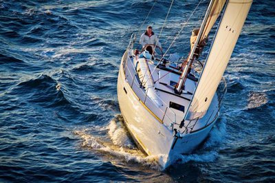 Set sail in the Bahamas aboard Sun Odyssey 379