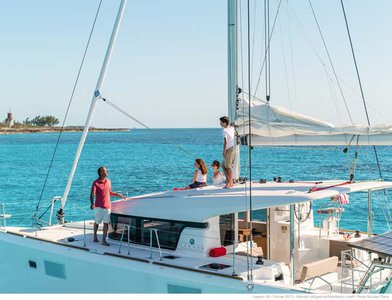 Enjoy sailing in Bahamas aboard Lagoon 39