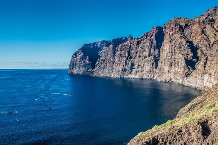 Boat-Charter-Tenerife-los-gigantes-diving