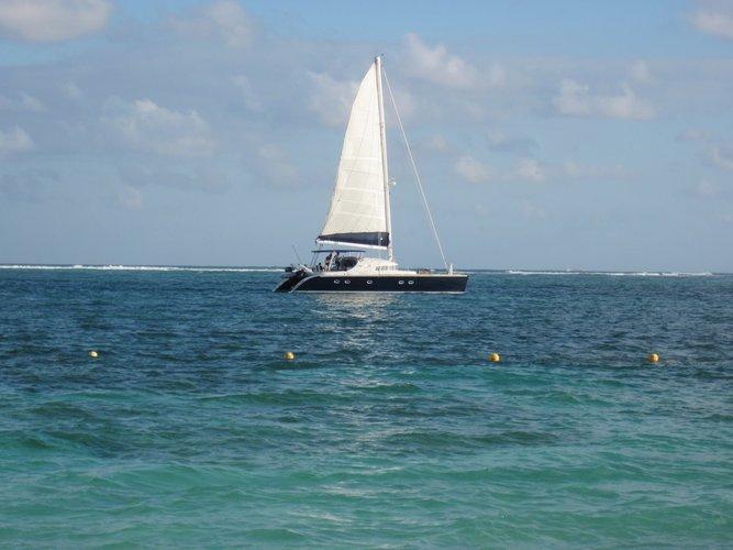 boat-rental-puerto-vallarta-islas-marietas-sailo