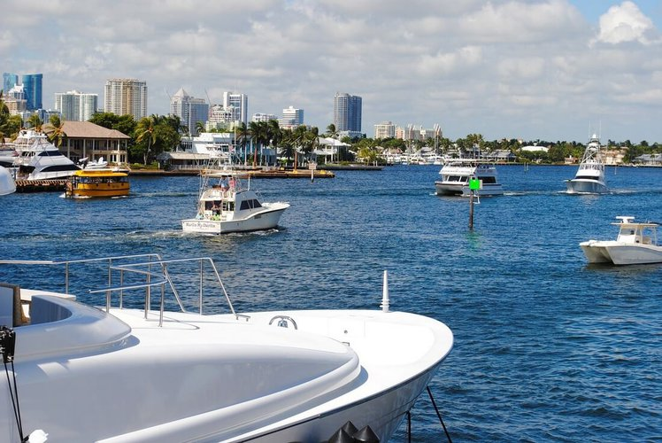 fort-lauderdale-boat-tours-party-sailo