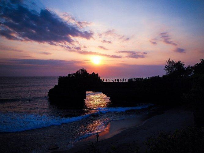 sailing-bali-indonesia-yacht-charter-sailo-sunset-cruise