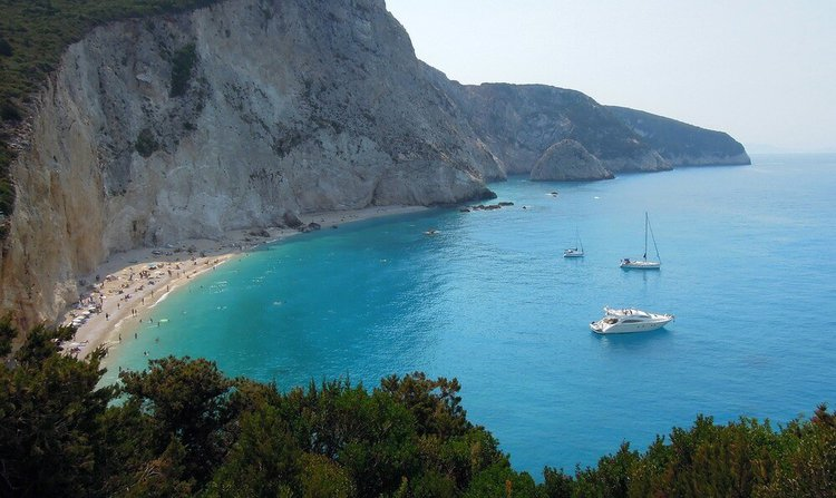 sailing-ionian-islands-lefkada-yacht-charter-sailo