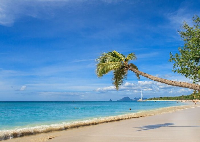 sailing-martinique-sailo-boat-rentals-plage-de-salines