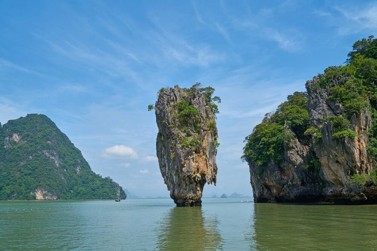 sailing-phuket-phang-nga-bay-james-bond-island