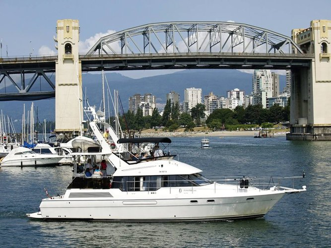 sailing-vancouver-sailo-party-boat-charter-canada