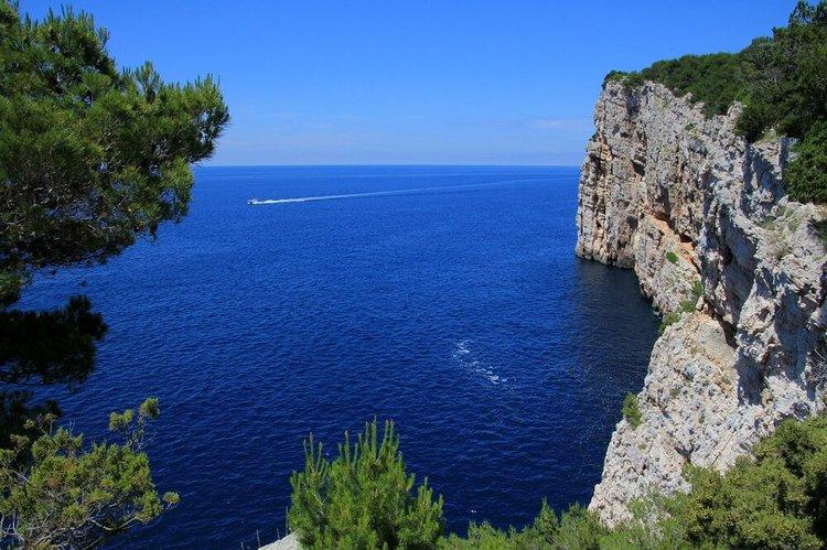 sibenik-boat-tour-yacht-charter-sailo-kornati-island