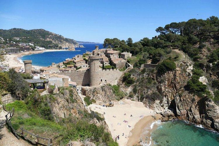 yacht-rental-barcelona-boat-hire-costa-brava-tossa-del-mar