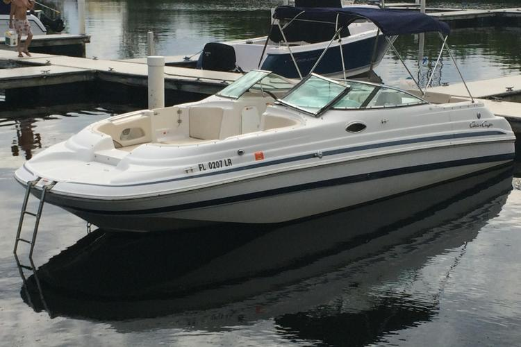This 26.0' Chris Craft cand take up to 10 passengers around Dania
