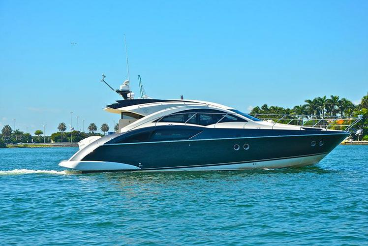 43' Marquis Cruise Miami in style on this beautiful Marquis