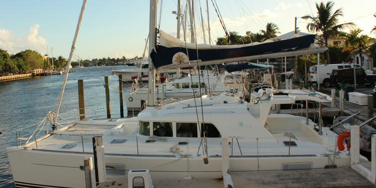 Lagoon's 44.0 feet in Fort Lauderdale