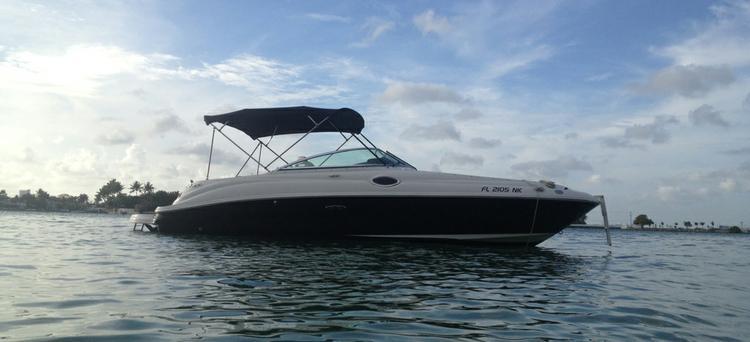 Sea Ray's 24.0 feet in Miami Beach