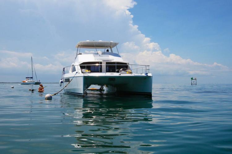 Discover Miami surroundings on this 51' Power Catamaran Leopard boat
