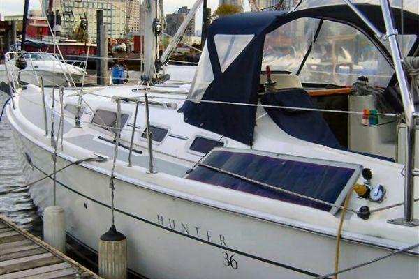 Hunter 36 Fully Equipped Ready to enjoy NY Harbor