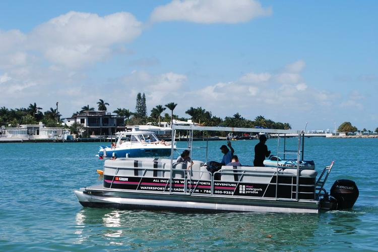 Things to do by boat in miami sailo boat rental for Miami fishing party boat