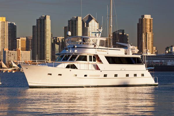 80' Luxury Yacht - San Diego's Premier Yacht