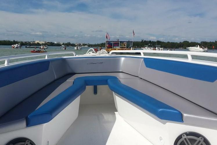 Center console boat for rent in Miami Beach