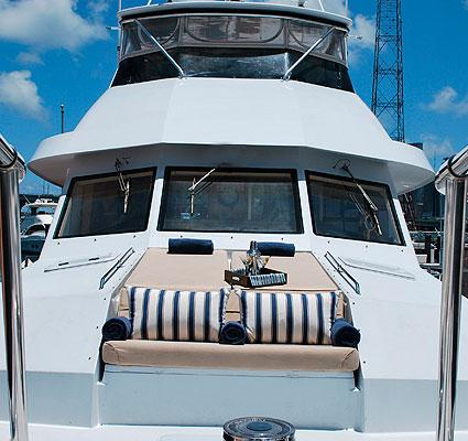 Discover Miami surroundings on this 80 Motor Yacht Hatteras boat