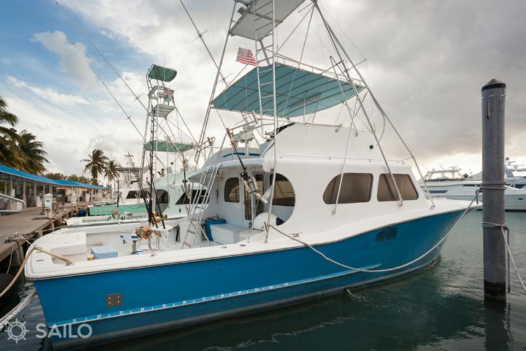 Offshore sport fishing boat rental in Haulover Park Marina, FL