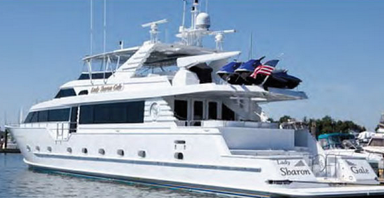 Discover West Palm Beach surroundings on this Mega Yacht Cheoy Lee boat
