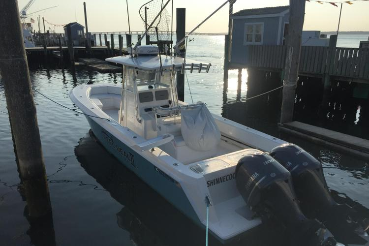This 35.0' Contender cand take up to 6 passengers around Montauk