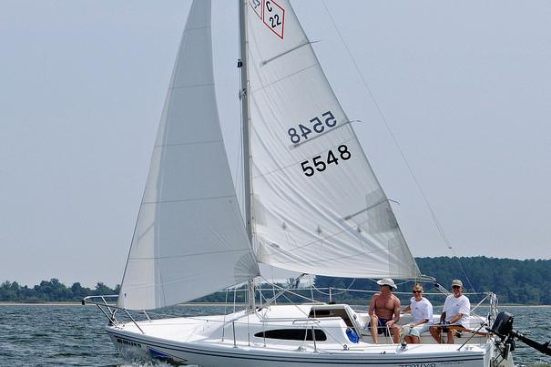 Sporty and fun daysailer for the Chesapeake Bay