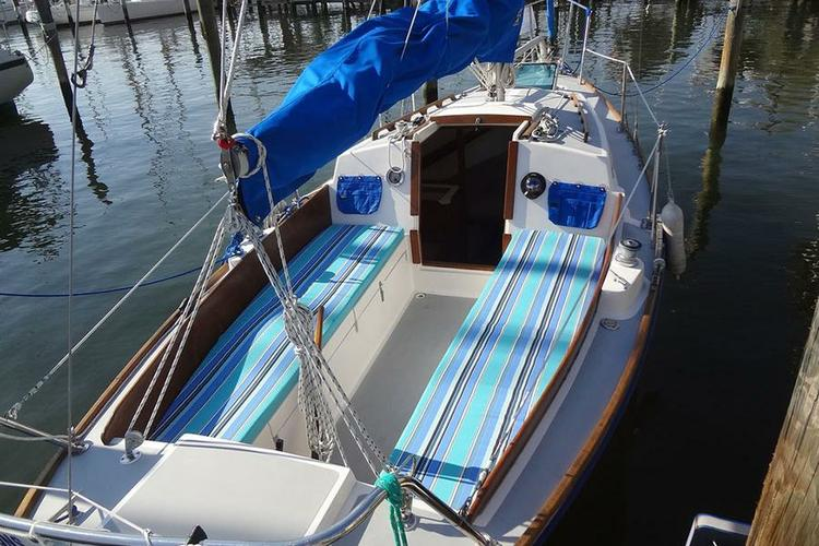 Classic boat for rent in Solomons