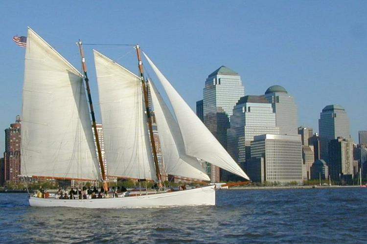 This 80.0' Schooner cand take up to 49 passengers around New York