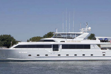 112 feet of luxurious yachting space