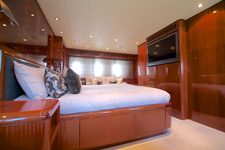 thumbnail-3 Leopard 106.0 feet, boat for rent in Miami Beach, FL