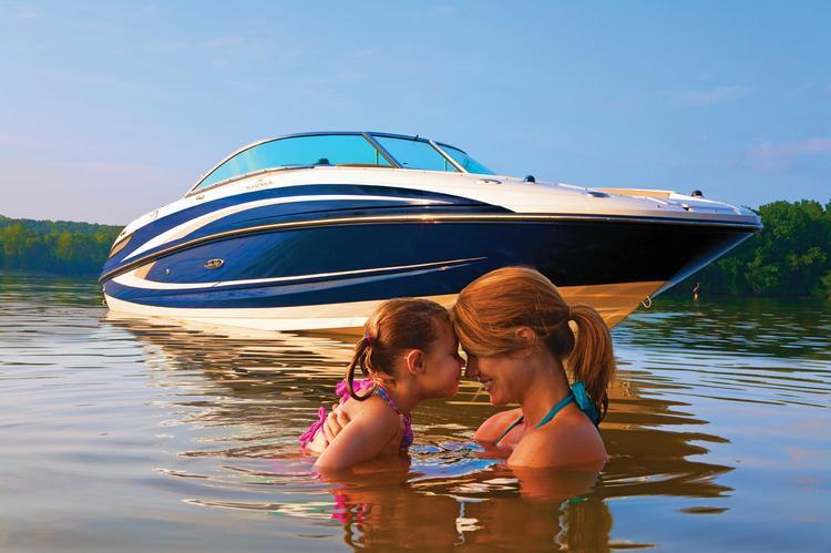 Bow rider boat rental in Al Grovers High & Dry Marina, NY