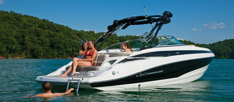 This 26.0' Crownline cand take up to 12 passengers around Freeport