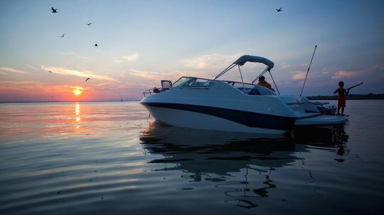 Bow rider boat for rent in Freeport