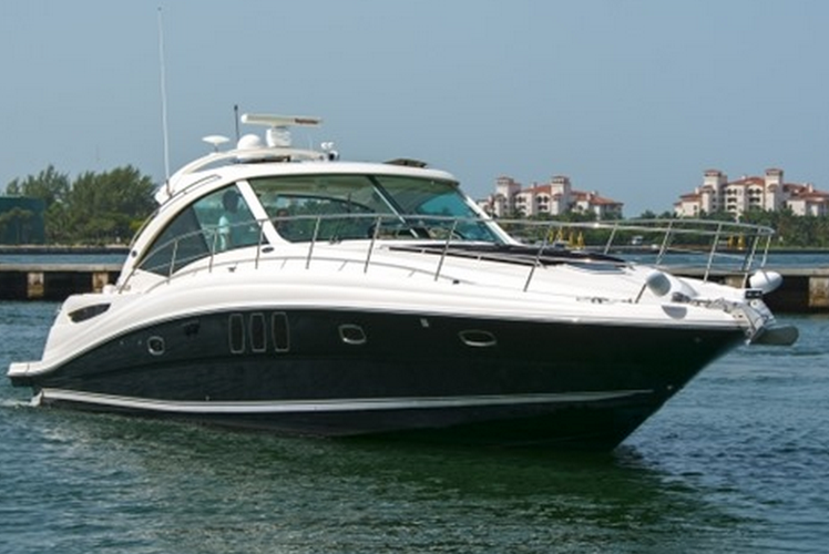 48' Sea Ray Cruiser is Stylish, Affordable and Luxurious!