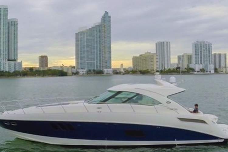 55' Luxurious and Comfortable Sea Ray is Miami's #1 rented boat