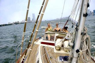 Discover Port Washington surroundings on this Sloop Najad boat