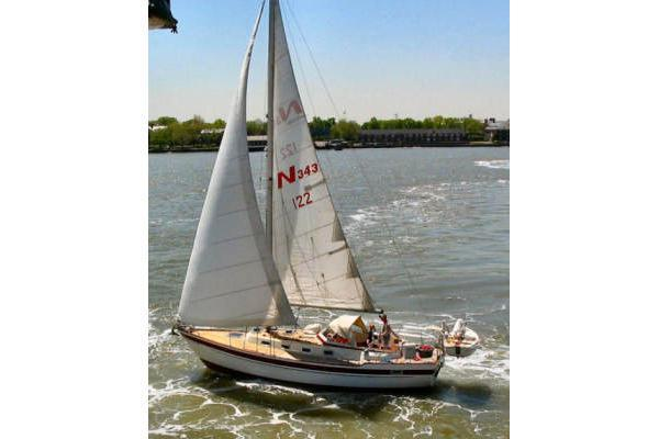 Najad's 34.0 feet in Port Washington