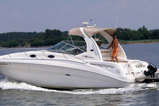 Luxurious and Sporty 32' Sea Ray Sundancer