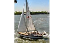 Relax on this 34' Najad Sloop while sailing the NY Harbor!