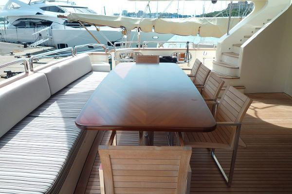 Up to 12 persons can enjoy a ride on this Azimut boat