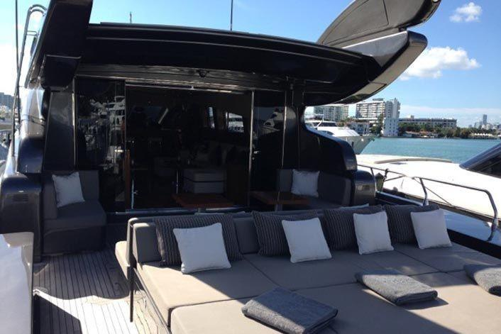 This 101.0' Cantieri Dell'Arno cand take up to 12 passengers around Miami Beach