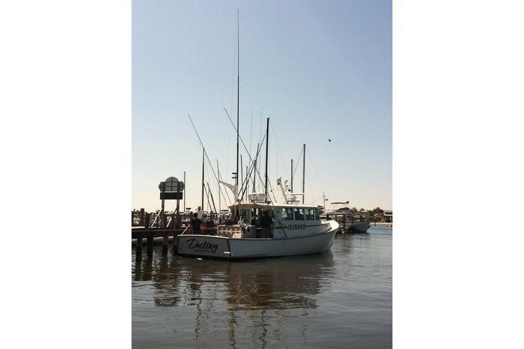 Angler boat rental in Port Clinton Marina, CT