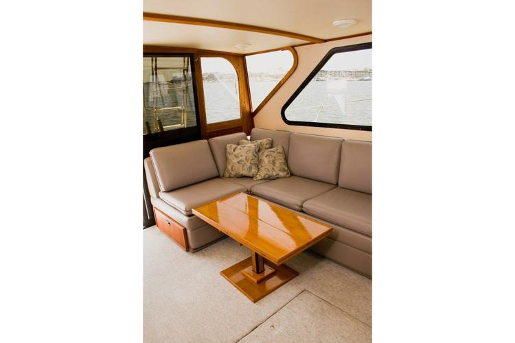 This 44.0' Pacifica cand take up to 6 passengers around Marina Del Rey