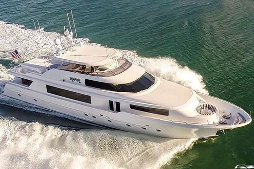 Discover Miami surroundings on this 112 Westport boat