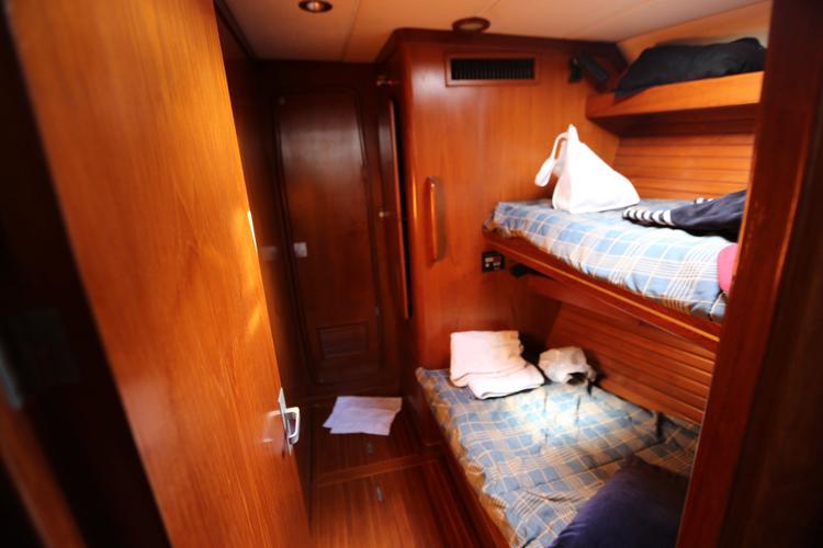 Motorsailer boat for rent in San Juan