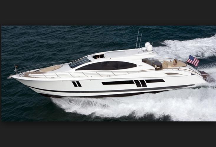 Discover Miami Beach surroundings on this SLX Lazzara boat