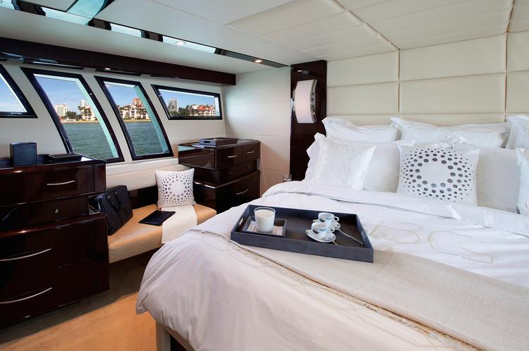 Cruiser boat rental in Miami Beach Marina - Pier D, FL