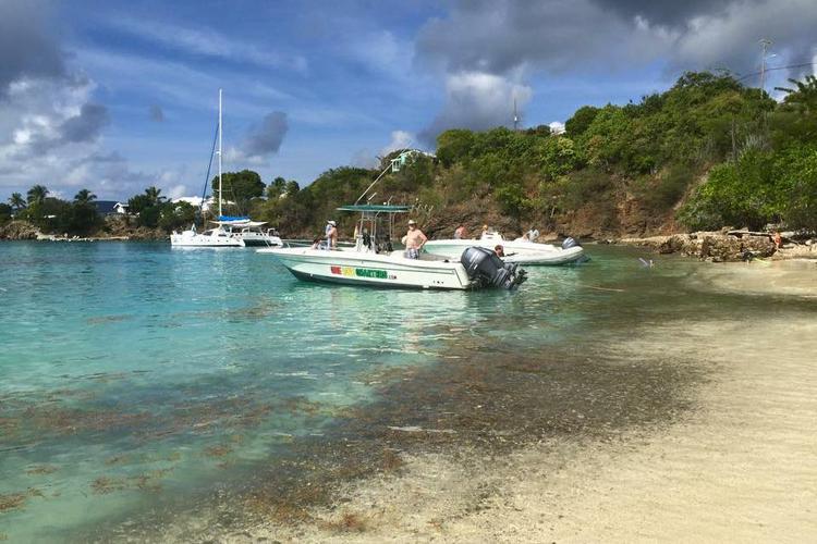 Center console boat rental in Crown Bay Marina, U.S. Virgin Islands