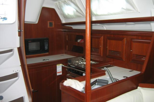 Up to 6 persons can enjoy a ride on this Beneteau boat