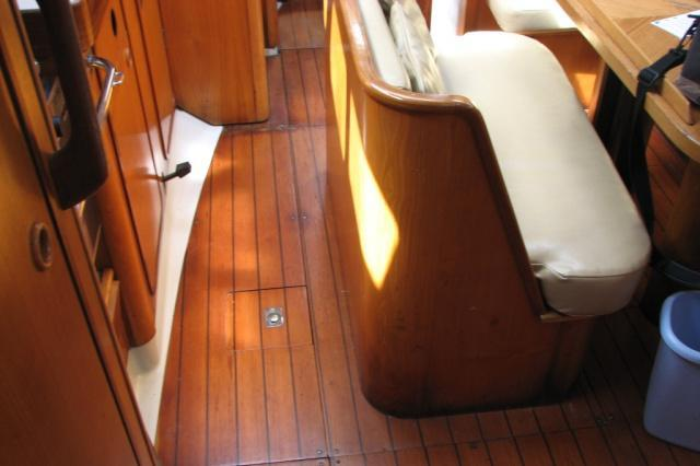 This 39.0' Beneteau cand take up to 6 passengers around Kemah